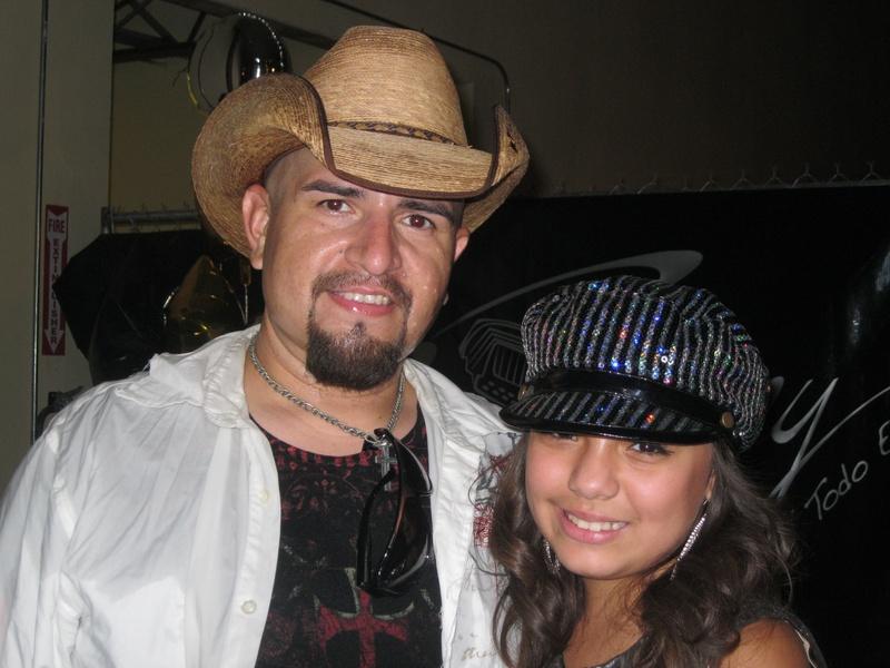 » Fiesta San Antonio Tejano Explosion At Cattlemans Square In San